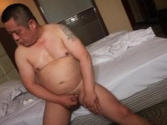 asian daddy Bear Shows Off wild Body And love juices Like Fountain