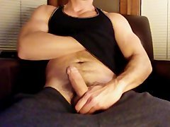 juicy DILF Musclehunk shoots a load on legs and leather chair