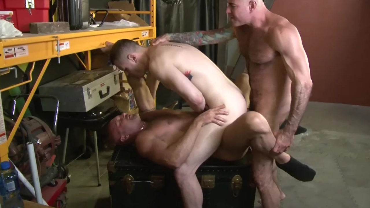 3some Muscle pound - Factory movie