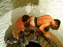 homosexual dudes Make Love On Tthis chab Stairway