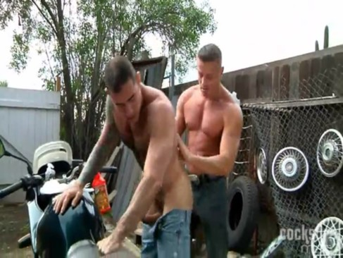 Muscle Riders