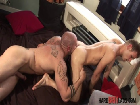 Hard Brit guys - Harley Everett fucks Leo