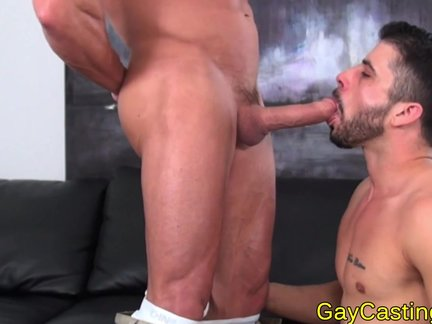 Spanish Hunk sucks weenie At gaycastings