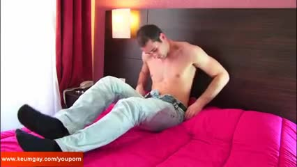 Testing his cock: Guillaume A Real Straight man receive jerk offed his big cock !