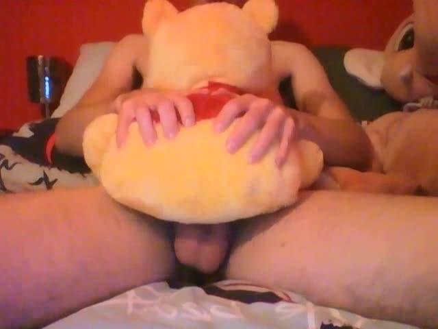 In My 3th video you Can Watch To My And My Winnie The Pooh. The most Populair Teddebear In The World. Watch And Rate! Comstudsts Are Welcome. Plushto