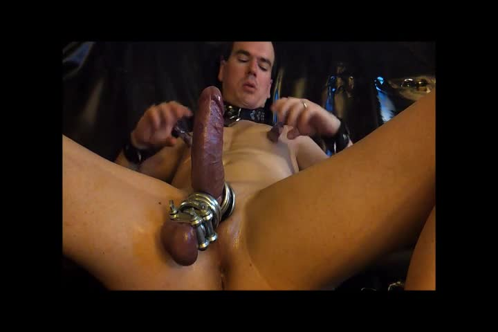 pussypig fucks him Self With Lot Of Rings And Poppers