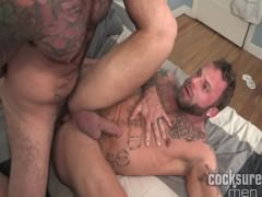 dongsureguys – Scotty Rage barebacks Derek Parker