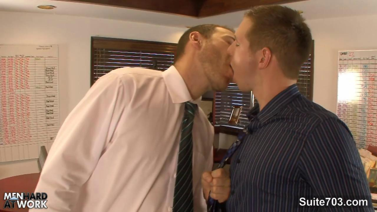 longingy gays lick And Hump bootyes In The Office