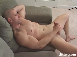 Muscle lad Solo jerking off