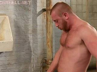 Muscle men sucking & pounding