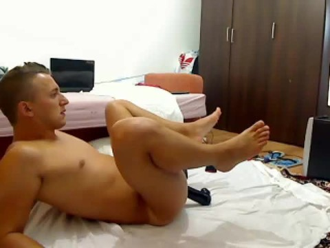 juicy Romanian Model From Webchat Caught In Free Show