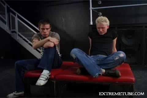 bare BOTTOMS UP IN LONDON two - Scene 4 - Puppy Productions