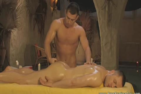 Two twinks acquire Oiled Up For A Erotic Massage