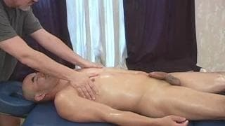 Amando have a pleasure's A Massage From Jake today