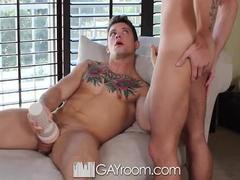 GayRoom - Sebastian Kross bonks Casey Everett