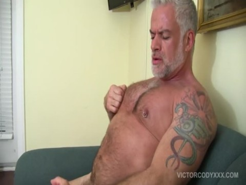 shaggy And Hung Daddy Jake Marshall Jerks Off