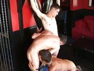 3way In The Fetish Club