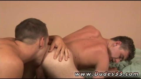Stuffing The butthole And His Hunk 10-Pounder Does The Job