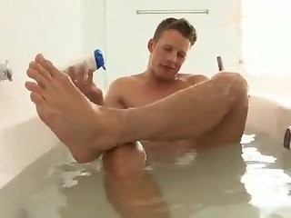 [[GVC 349] Muscly boy Tugging cock