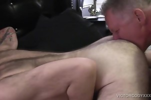 Hard Bear bows Over His fine daddy Boyfriend To pound