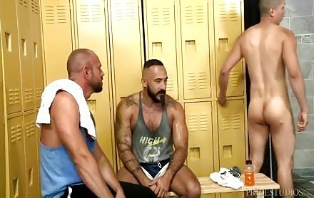 The superlatively worthy three-some twinks Seal The Deal