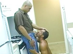 Michael shoves howdys Hard knob Up Gunther\'s arse