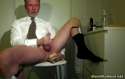 Searing Daddy Jizzing In Front Of The web camera