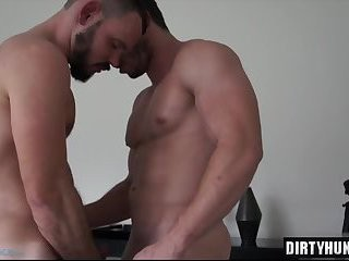 Muscle homosexual males blowjob-service And Facial