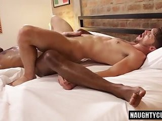 delicious Bottom anal job With cumshot