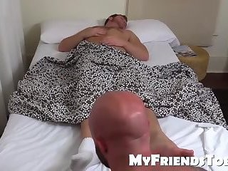 humongous Muscle chap engulfing Toes And jerking off In Silence