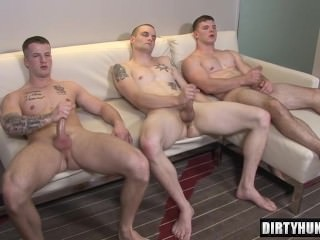 Muscle homo three-some With cumshot