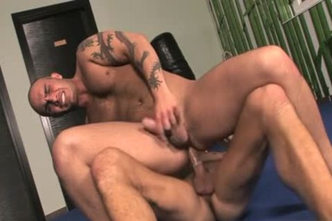 throbbing 10-Pounder homo blowjob With Facial