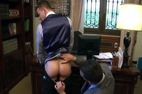 Muscle homosexual arse stab With cumshot