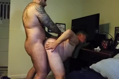 overweight Daddy gets slammed By Muscle Bear