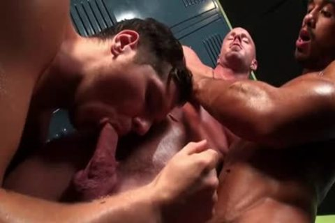 Tattoo homo oral enjoyment And cumshot