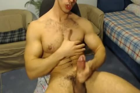 pumped up Hunk With A Horse 10-Pounder Jerks Off And Cums