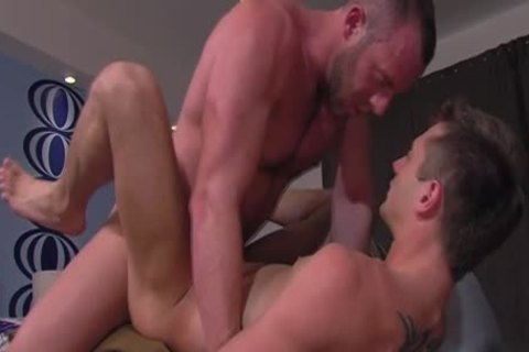 large dick Hunk gets Sucked
