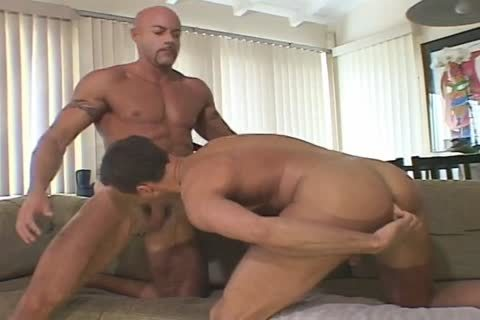 Two boyz Play With A vibrator And engulf On Some 10-Pounder