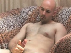 Bald hunk plays with hellos weenie