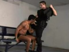 Police banging Tthellos man Prisioner