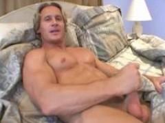 Anthony Hardwood Straight Bodybuilder undressped
