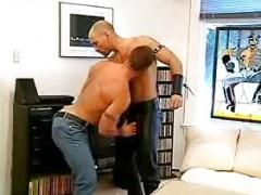 muscular dudes Sexing