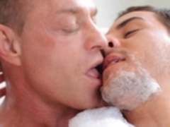 manRoyale Sensual washroom and Oily Marseage
