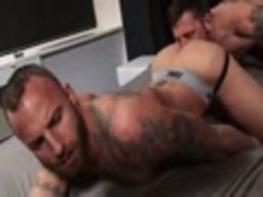 Morgan fucks Derek bareback