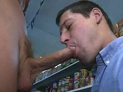 youyng twink sucking Off dick And receives hellos booty pokeed outdoors