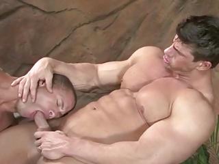 Bodybuilders enjoy A tasty Tub