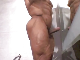 handsome Bodybuilder cums For you