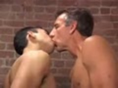 Seriously yummy guy Play