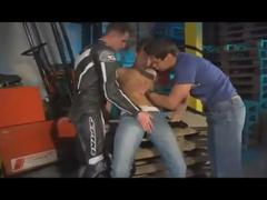Biker Tw-nks pound In threesome