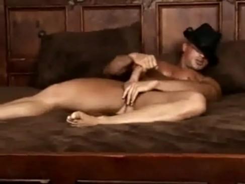 Quentin Elias Masturbating